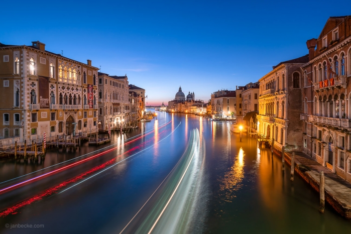 Long exposure of the Canal Grande at dusk