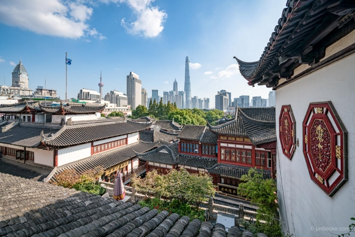 Traditional Chinese architecture at the Yu Yuan Gardens in Shanghai