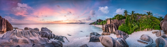 Sunset panorama at the Anse Source d'Argent beach on La Digue island, Seychelles