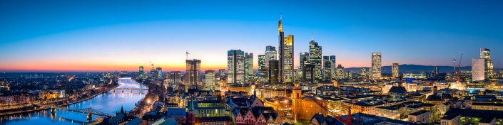 Frankfurt am Main skyline panorama at night