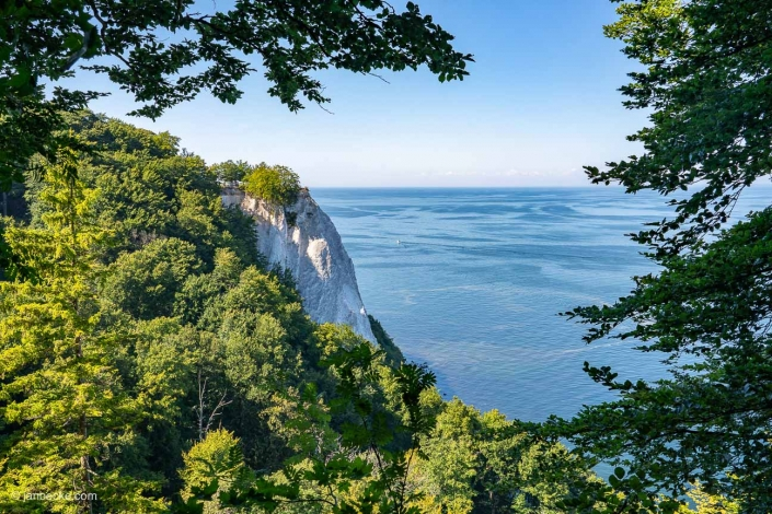The Königsstuhl is the best-known chalk cliff on the Stubbenkammer in the Jasmund National Park on the Baltic Sea island of Rügen
