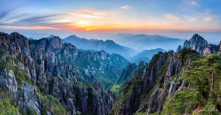 Huangshan mountains sunrise, Anhui province, China
