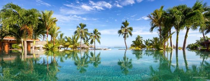 Infinity pool on Tahiti