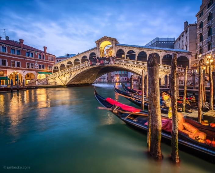 Rialto Bridge and Canal Grande at dusk, Venice, Italy