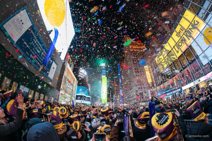 Ball drop at the Times Square at New Year's Eve