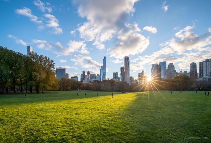 The Central Park in Midtown Manhattan is a popular tourist destination